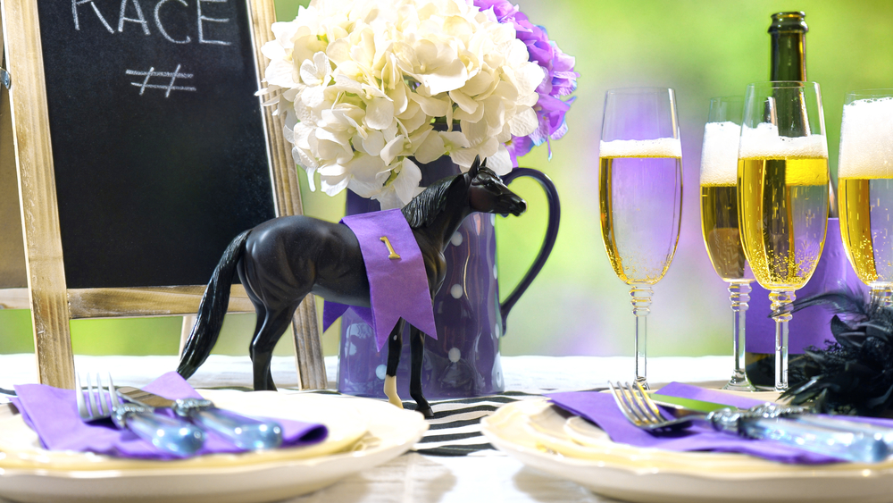 Melbourne Cup Carnival Horse and Champagne Flutes